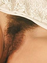 Hairy Pics: Hairy Pussy Girls