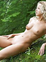Outdoors Nippels, Anke - Lorelai