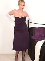Vintage Nippels, Glamorious Clair strips in furs and nylon