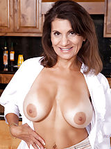[Spintax1], Anilos housewife Tori Baker fucks herself hard with her favorite sex toy