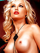 Suze Randall Nippels, Kayden Kross in the sexiest Photo shoot ever! Red lips & black stockings, mmmmm!