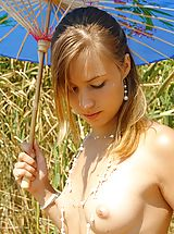 Teens Nippels, Summer art of nude