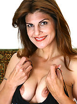Nipples, Anilos cougar Monique spreads her legs wide and plunges her experienced finger deep in her pussy