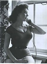 Vintage Retro, Vintage women - no nudes here!