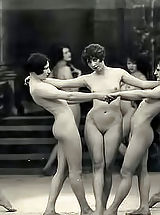 Vintage Naked Girls