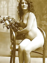 naked amateurs, Old Fashioned Women