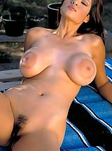 Naked Hairy, Kristi Curiali