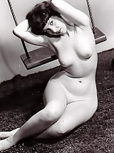 Porno Photography of 1940-1950 - Hot Naked Women That Our Fathers Used To Wank on are Now Available To Enjoy