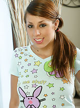 naked chick, Alyssa loves playing together with her wet clam when you are not around