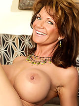 Big Nipples, Deauxma