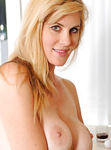 black naked, Hottie Anilos Kate Kastle spreads her legs wide open to show her pink pussy