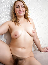Naked Milf, Ginger_love - Hot mom with a big round booty shows off her soft furry twat