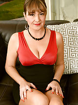 Very large Nipples, Horny 32+ Milf reveals her adequately experienced cunt Elexis Monroe Elegant and Sexy