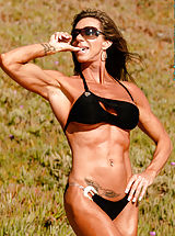 Lynnie Brooks, Shades and Muscles