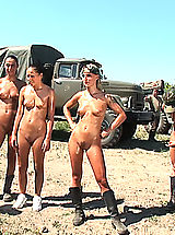 Outdoors Nippels, Hot Babes in Action