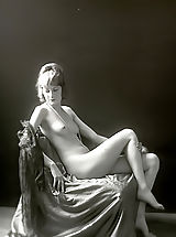 Vintage Pics: Antique Erotica from 1920 to 1940 - Naked Girls with Amazing Bodies Used To Boil the Blood of Men Back Then
