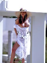 Naked Suze Randall, Perfect poolside pussy is just waiting for you...just one click away!