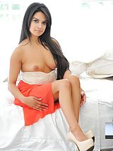 Naked Latina, Fast and hot with Jazmine