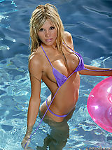 Bikini Nippels, Hot Babes from Action Girls