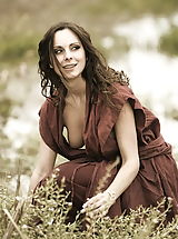 Retro Clothing, WoW nude winter medieval farmers daughters
