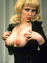 Retro Pics, Blonde girl with boobs and classy stockings
