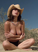 Naked Celebrity, Kelly Monaco