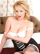 From teasy pin up to raunchy climax, Claire's a hot blonde bombshell!