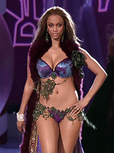 Celebrity Pics: Tyra Banks