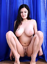 naked asian, Sofie