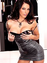 Sultry, sexy Juelz Ventura knows exactly what to do with a man's set of jewels...slide her hot pussy up and down the shaft!