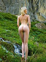 Femjoy Nippels, Naked Girl Katy in Swiss Mountains