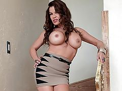 Sensitive Nipples, Massive Breasts Girl Merilyn In Yer Face! Component Four