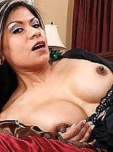 Nipples, Gabby Quinteros gets what she wants from her employee