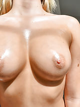 Big Nipples, Zoey Perky And Perfect