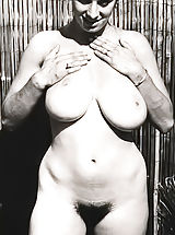 1960 Made Porn Pics of a Girl That Has the Biggest Bust at That Time Featuring All Naked Labia and Breast Photos