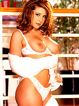Naked Suze Randall, Erica Campbell has one of the best sets of tits around and we love it when she shows them off! Enjoy this babes gorgeous curves!