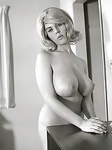 Vintage Online, Exclusive Old Time Erotica Photos of a Big Curvy Pornography Queen of 1960s Owner of Enormous Pair of Fucking Breasts