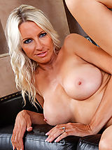 Hot blonde cougar Emma Starr seduces young cock so she can orgasm.